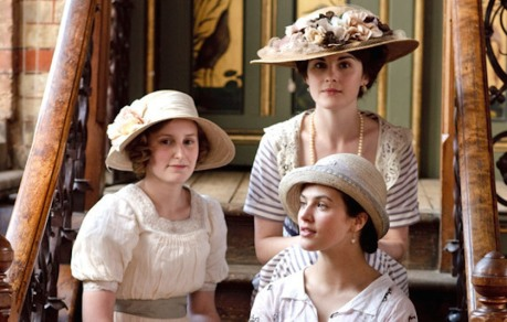 sisters-edith-mary-and-sybil-downton-abbey-15932497-570-364